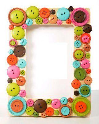 Porta-retratos adornado con botones de colores!! :D