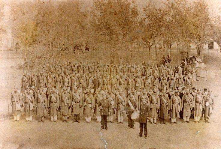 #FotosConHistoria de La Guerra del Pacífico: Una Cia del Regimiento Chacabuco en San Bernardo. #Chile pic.twitter.com/kZzBGGEifS