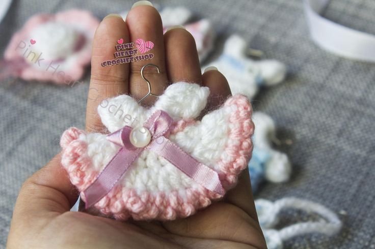 Baby shower favours , baby shower pops ,little baby shower crochet dresses , unique baby shower favours , little dresses , little rompers by PinkHeartCrochetShoP on Etsy