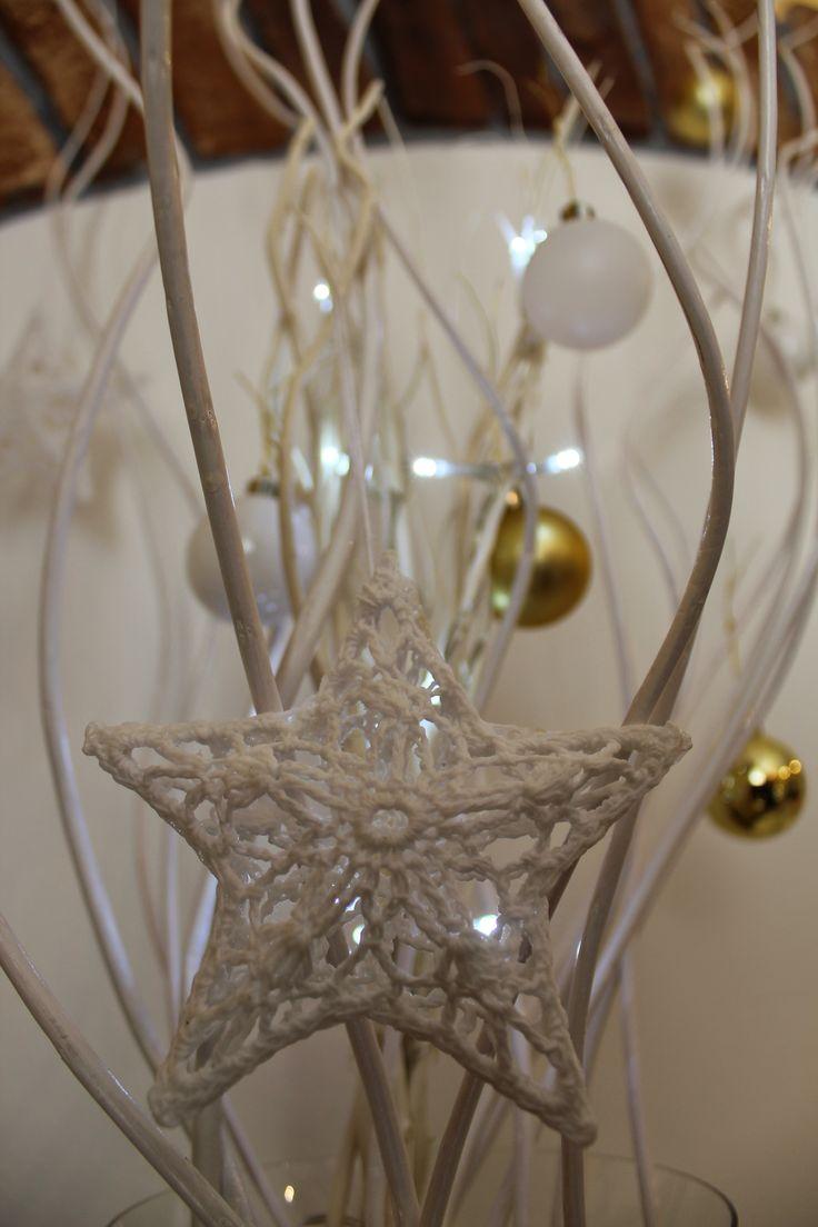 Xmas 2014 at Chiara's  lace star: IKEA white branches: IKEA