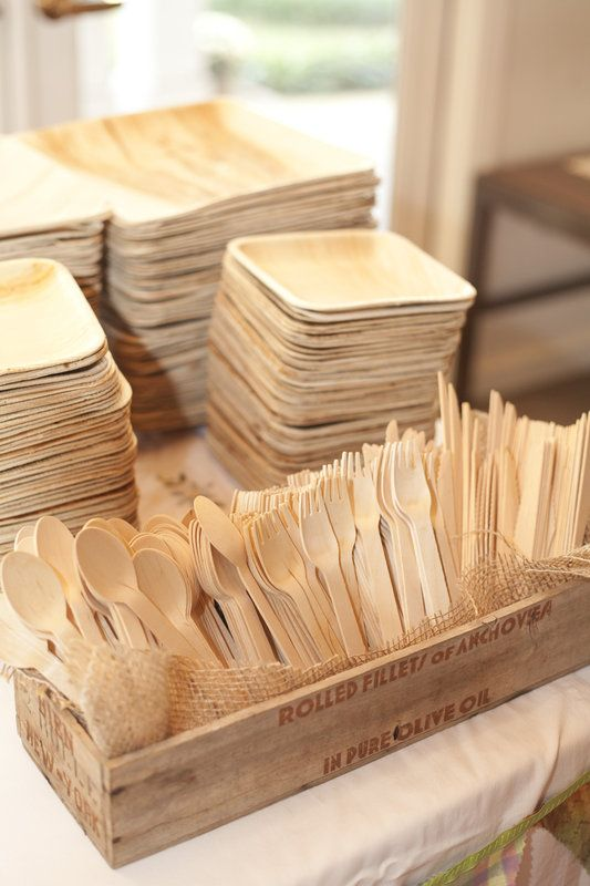 Eco friendly palm leaf plates and wooden cutlery.   Photo By Mandy Owens Photography