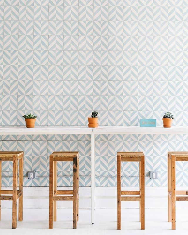 Beautiful tiles! #gurlUtasty // Design by @shell_sparks of #HomepolishNYC for @soludos + photo by @juliarobbs. [LINK IN PROFILE✨]