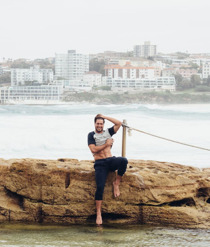 Beach fun | Campbell & Hall | #menswear #bondi #coastal #menstyle #loungewear #locals #lifestyle