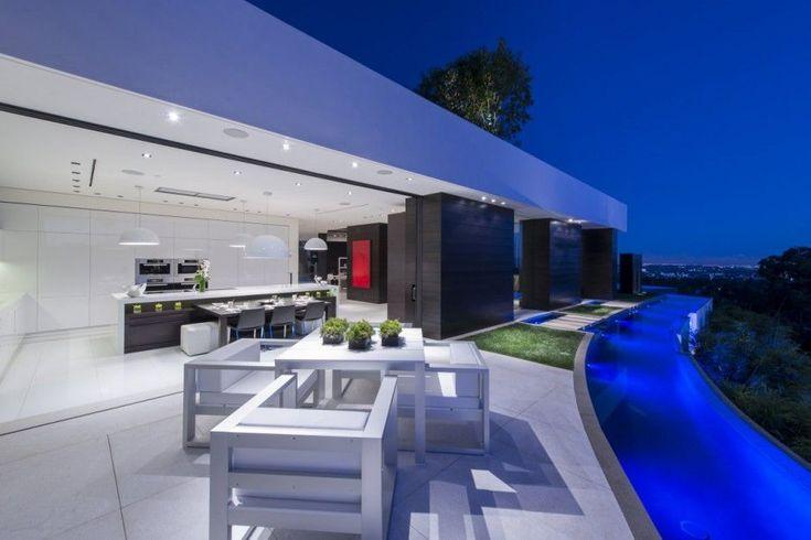 modern-residence-Laurel-Way-13