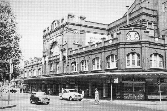 The Tivoli Theatre was the venue for Christmas pantomimes & live dancing & musical shows. It closed in the late 60s.