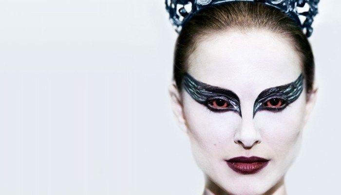 Aquí encontrarás los mejores consejos y un tutorial completo para maquillarte como Natalie Portman en El Cisne Negro, en Noche de Brujas. LEER MÁS.