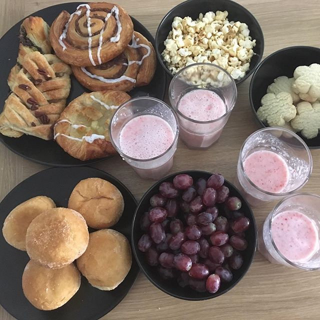 Reposting @roxanemls: Bday breakfast 🎉🦄 #BDay #lovemybday #picoftheday #photooftheday #happy #goodmorning #love #food #sunnyday #sun #instagood #instadaily