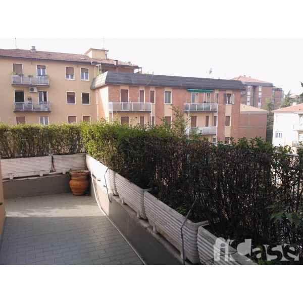Appartamento in Affitto a Bologna, Emilia-Romagna - iCase.it #61434098