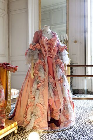 Madame Pompadour dress from Vivienne Westwood Couture.....so fabulous in this peach.