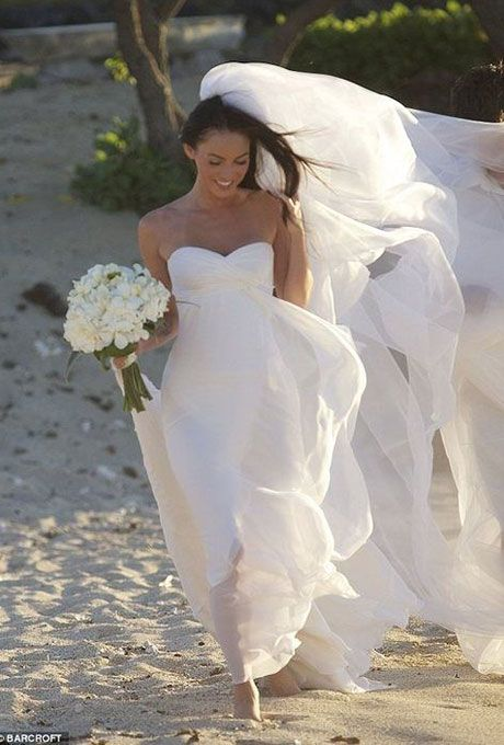 Megan Fox marries Brian Austin Green in Armani Privé, 2010.