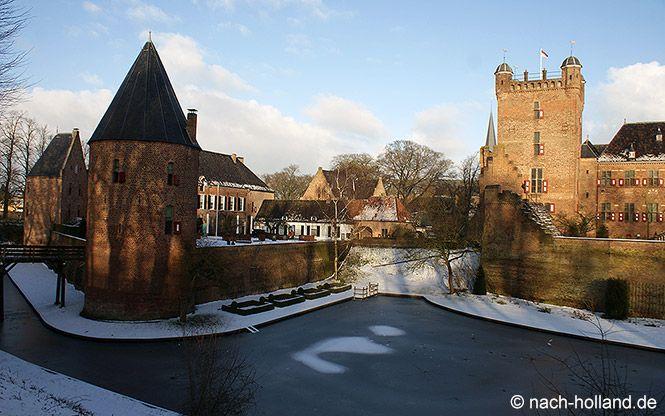 Winterwonderland Schloss Huis Bergh  #schloss #huisbergh #achterhoek #holland #niederlande #reise #travel #netherland