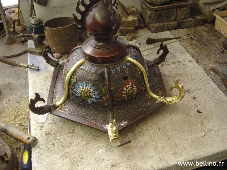 Réparation et patine d'un couvercle en bronze patiné à décor cloisonné. http://www.bellino.fr/blog/?p=345