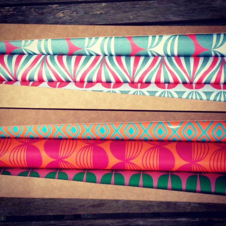 Getting in the #Sinterklaas and #Christmas spirit with these happy wrapping sheets from #EvaenAnne. Every Vank gift you`ll buy untill Christmas 2014 will be wrapped in it.