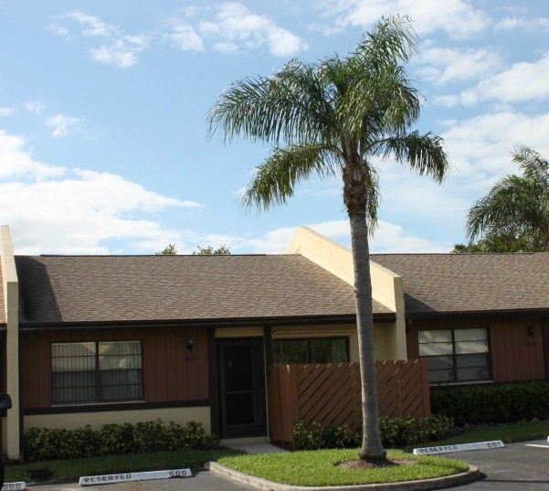Buy home in Woodlake Isles of Margate Florida.  Home for sale located at 601 Banks Road Margate Florida  $145,000