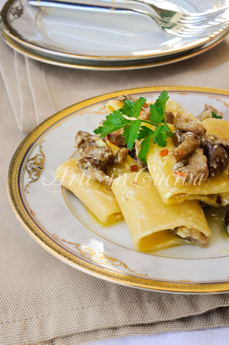 Paccheri con salsiccia funghi e panna ricetta facile vickyart arte in cucina