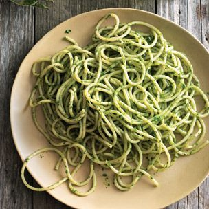 Spaghetti with Arugula-Mint Pesto. food pasta pesto
