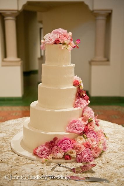 fresh flower holders for wedding cakes best 25 5 tier wedding cakes ideas on wedding 14472