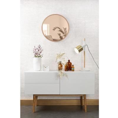 Le miroir teinté rond mural diamètre Ø60cm Bandit, de l'éditeur Zuiver, apportera une note design unique à votre intérieur. Il trouvera idéalement sa place accroché contre le mur de votre entrée pour un effet classique, ou placé à proximité d'autres tableaux pour un look ultra tendance. Conçu avec d