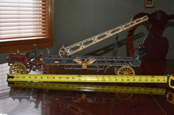 Cast Iron Toy- HUBLEY TRANSITIONAL WATER TOWER