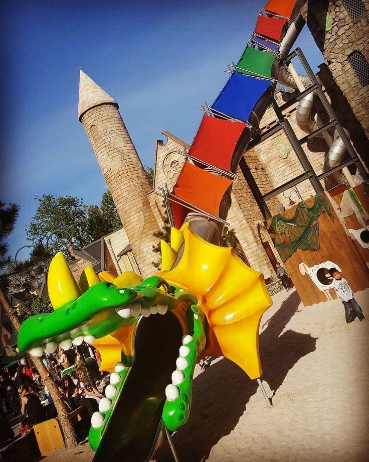 Toboggan Ils rigolent pas avec les jeux d'enfants #rust #germany #halloween #fun #rollercoaster #instagood #love #themepark #horrornights #silverstar #bluefire #travel #deutschland #friends #europaparkrust #autumn #happy #photography #beautiful #achterbahn #like4like #picoftheday #epdaydream #bellrock #freizeitpark #me #pumpkin #ep #instalike #smile