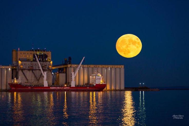 Super Moon - Thunder Bay, Ontario