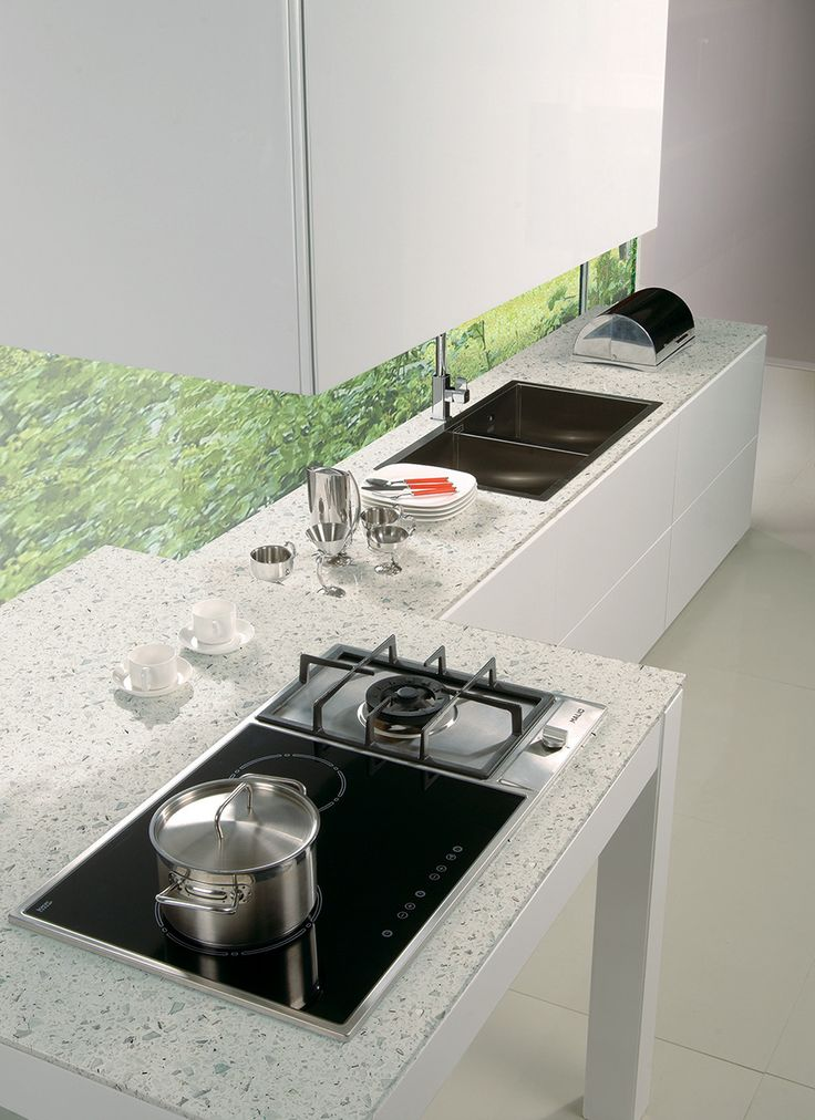 SPARKLING WHITE™ QUARTZ www.graniteworksmd.com