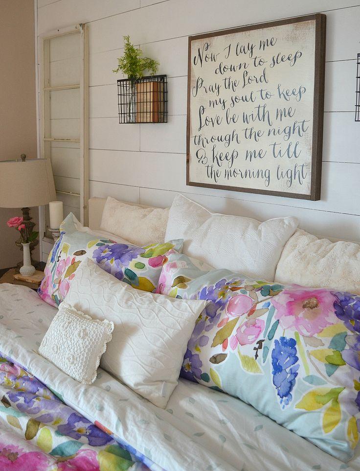 Master Bedroom Spring Tour. 17  best ideas about Floral Bedroom Decor on Pinterest   Floral