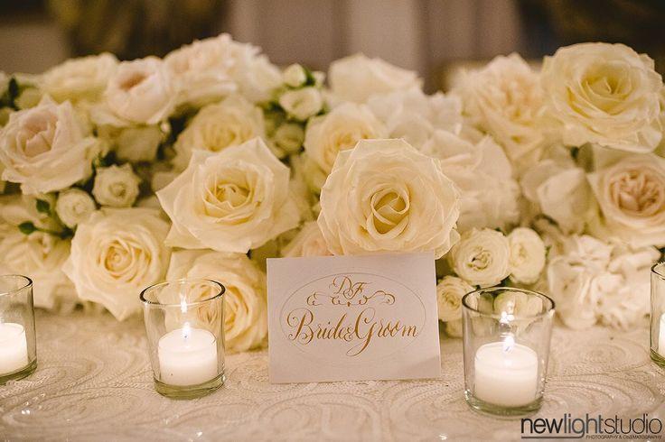 #wedding #destinationwedding #weddingflower #floralrunner #weddingtable #brideandgroomtable #cristaltable #federicaambrosini #federicaambrosinifloraldesigne #federicaambrosiniflower #white #whiteflowers