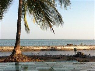 Laem Pho Beach Resort
