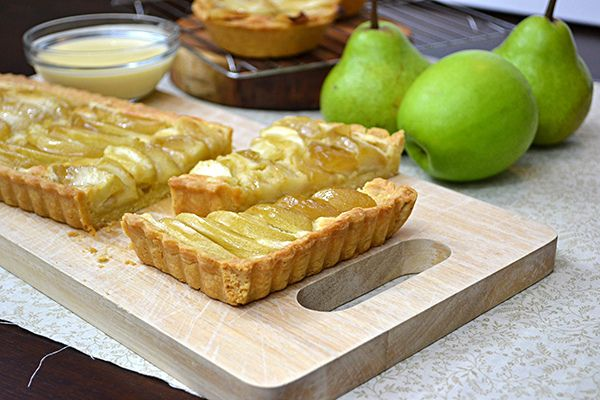 Pear or apple whiskey frangipane tart with vanilla-whiskey custard