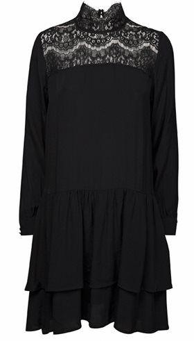 Sofie Schnoor - S164210 - Sort A-kjole med blonder - GOT TO HAVE IT Webshop - Nyt, Unikt og Utraditionelt Designertøj