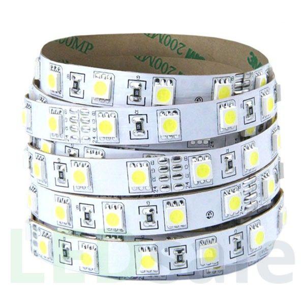 Pakkaus pitää sisällään 30 Lämmin valkoinen LEDiä per metsi ja käyttää 7,5W per metri. Tämä Led nauha on uskomattoman joustava, joten voit laittaa sen minne haluat. LED nauhat on helppo asentaa, pitkäkestoisia ja sopivan kirkkaita. LED nauhat ovat er