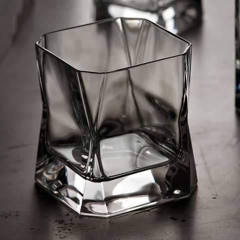 El vaso de whiskey que usa Rick Deckard en Blade Runner. OMG