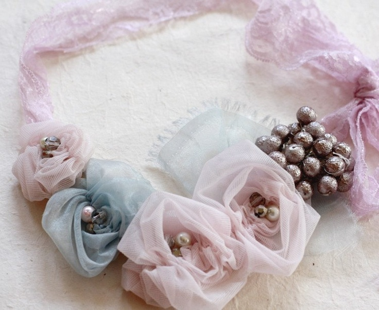 Tutorial Fabric Flower Tutorial - Ruched Rosettes- With Headband and Accessories Tutorials. $6.00, via Etsy.