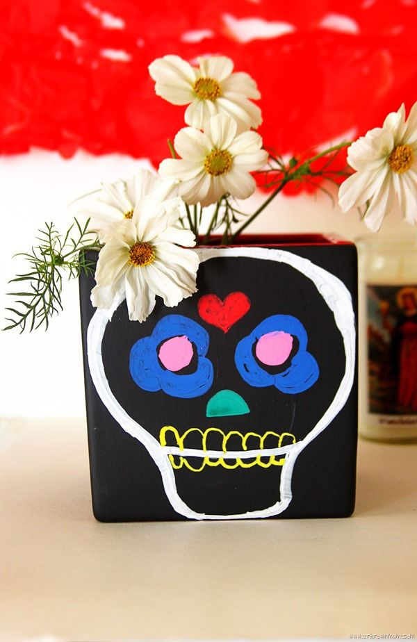 Craft for Day of the Dead: DIY Chalkboard vase #DayoftheDead