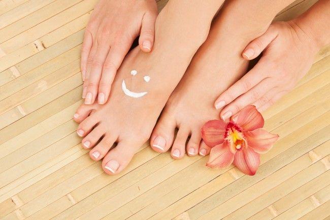 Tratamiento natural de leche para combatir los callos y suavizar los pies. ¡Apunta!