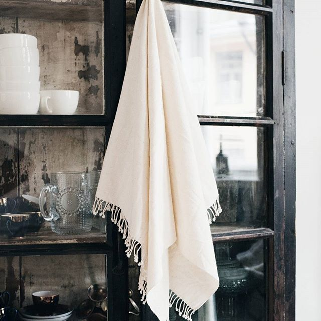 Tikau's organic cotton towels gets only softer and better with time. At this moment we have these in three different sizes and patterns.   #tikau #towels #organiccotton #sustainable #ethical