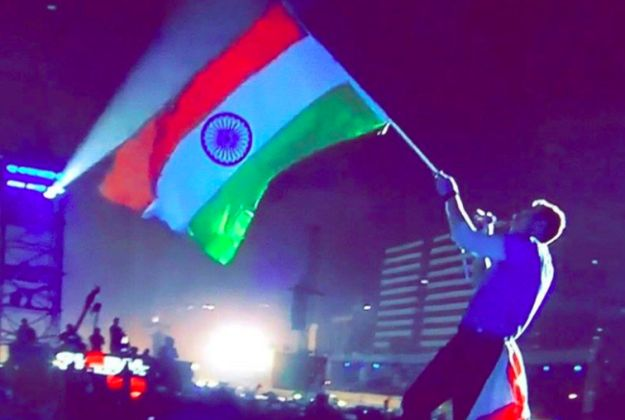 The 25 Most Magical (And WTF) Things That Happened At Coldplay's Concert In Mumbai | BuzzFeed