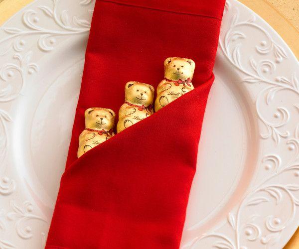 Décoration de Noël : 30 idées déco faciles et pas chères pour sublimer votre table !