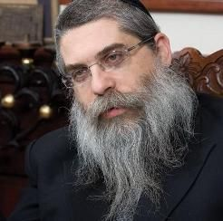 """Jews preparing to evacuate Ukraine - Most of the Jews living in Ukraine are now filling out paperwork to prepare for emigration to Israel if necessary, Ukraine's chief rabbi, Yaacov Dov Bleich, said Sunday in a radio interview. While he stopped short of calling for mass evacuation, Bleich said he is encouraged by those Ukrainian Jews who are making Aliyah, or emigrating to the Jewish state, to """"take care of themselves."""""""