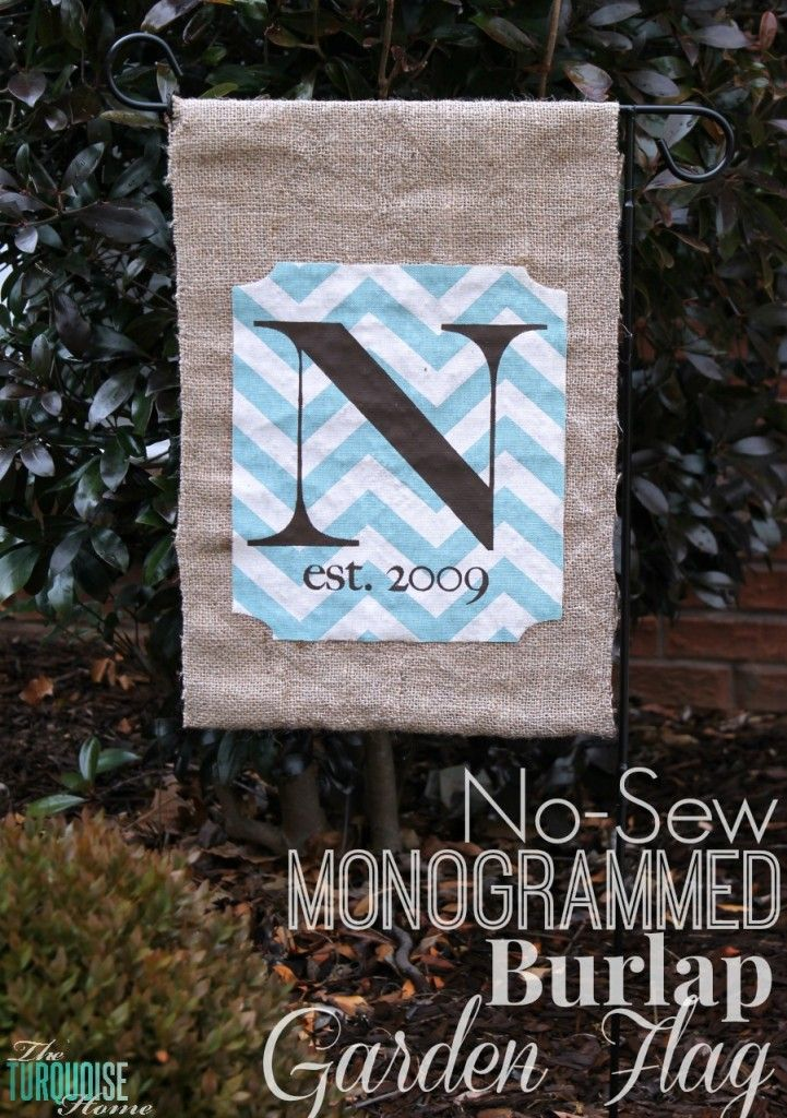 Ready to start planning for spring and warmer weather?! Dress up your front yard with this adorable monogrammed burlap garden flag. No sewing involved!