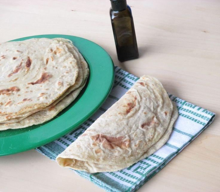 Piadine sfogliate con olio extravergine d'oliva ed esubero di pasta madre   Dal dolce al salato con Lucia
