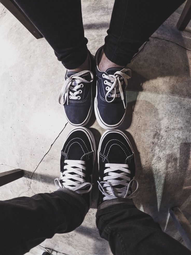 SaturdayVans  #vans #authentic #livingoffthewall #sk8hi #vansindonesia #vansundan #vansheadid #black #white #iwearvanseveryday