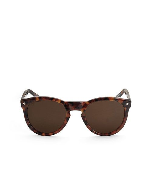 Tortoise sunglasses by Rag&Bone featured at www.thefanzynet.com