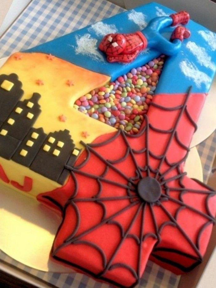 gateau spiderman en forme du chiffre 4