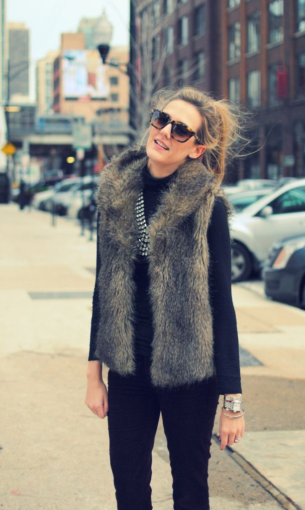 Fur Vest: Messy Hair, Statement Necklaces, Style, Holidays Outfits, Fall Wint, All Black, Faux Fur Vest, Black Tops, Furry Vest