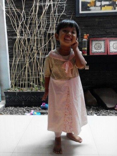 My little girl wearing dress made by bunda..hehehee
