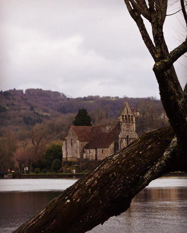 Beaulieu s/Dordogne, hiver. #nouvelleaquitaine #tourismelimousin #limousin #correze #landscape #winter
