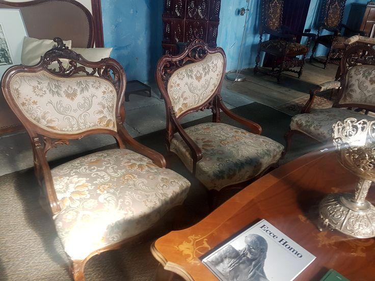 Rokokó stílusú antik bútor