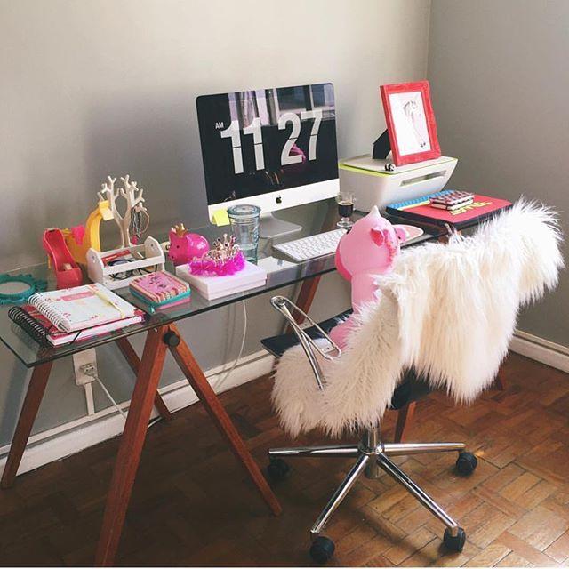 Dicas de como organizar seu home office lá no canal ✨❤️ Link na BIO